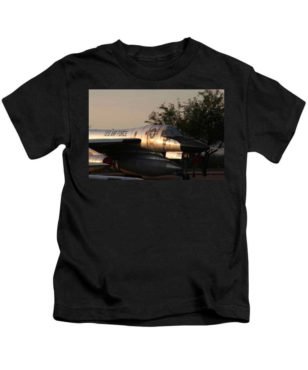 David S Reynolds Kids T-Shirt featuring the photograph Hustler by David S Reynolds