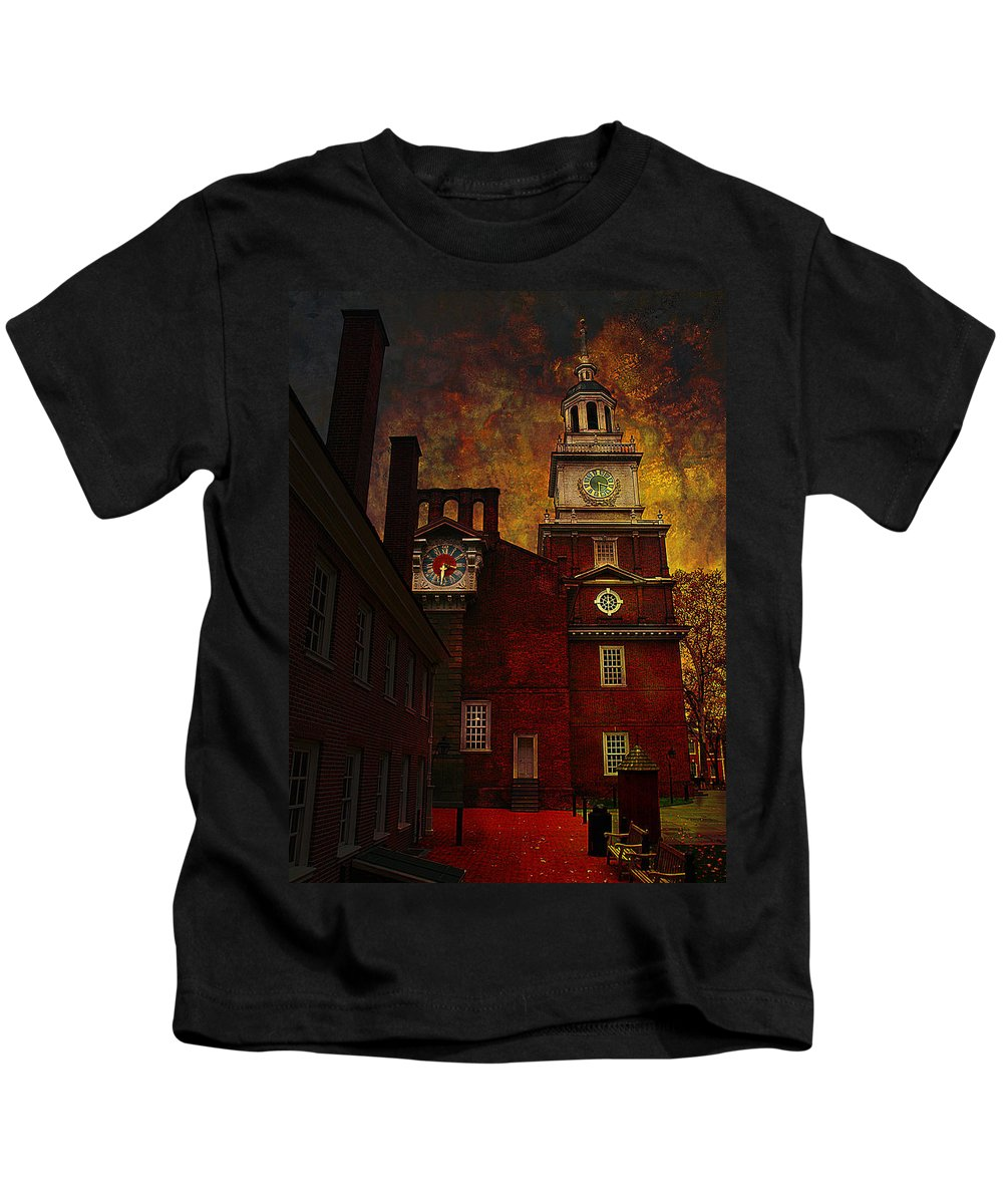 Philadelphia Kids T-Shirt featuring the photograph Independence Hall Philadelphia Let Freedom Ring by Jeff Burgess