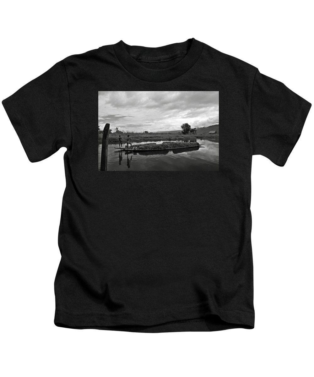 Ricardmn Kids T-Shirt featuring the photograph Inle Lake In Burma by RicardMN Photography