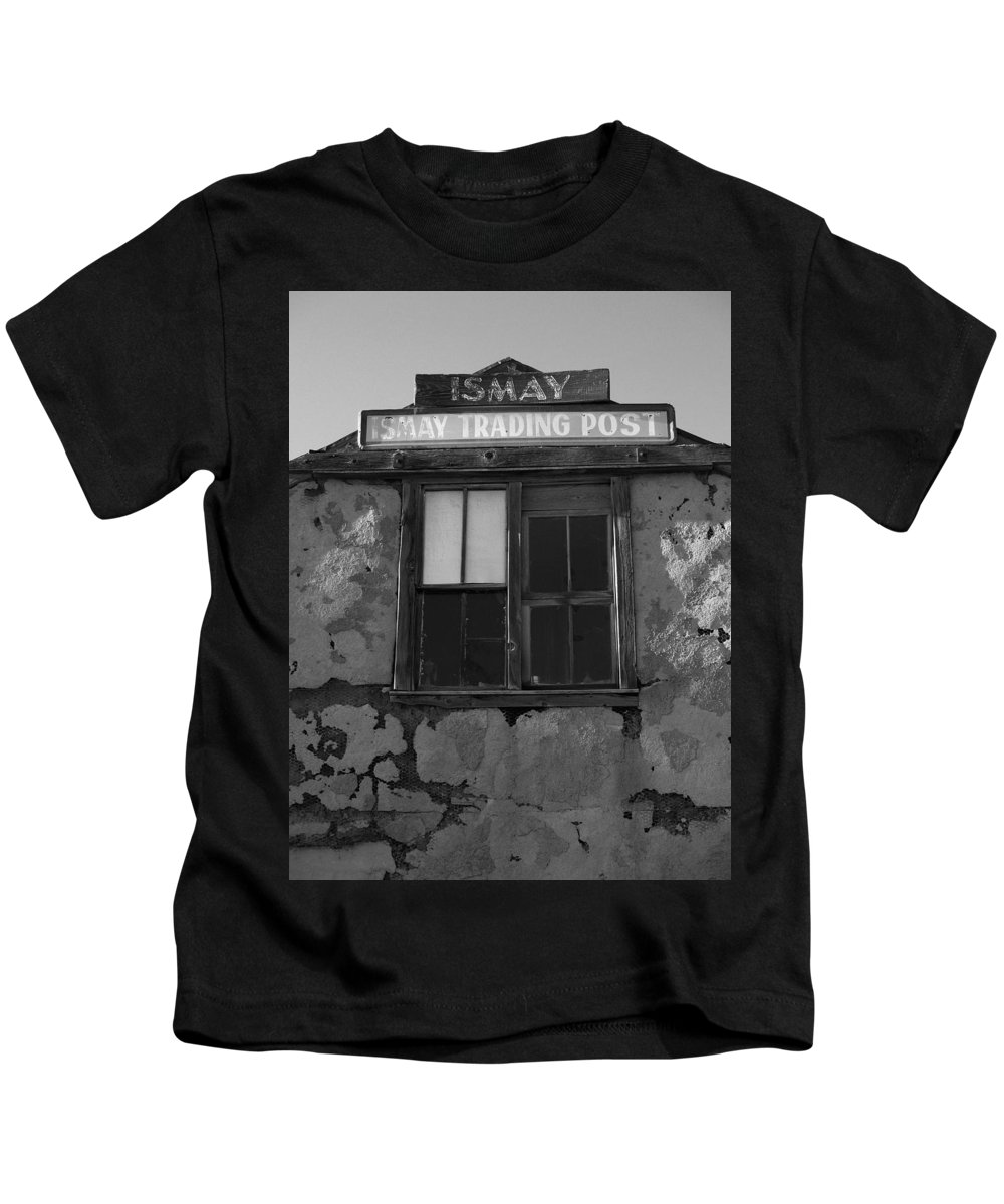 Black And White Kids T-Shirt featuring the photograph Ismay Ut Trading Post 03 by Jeff Brunton