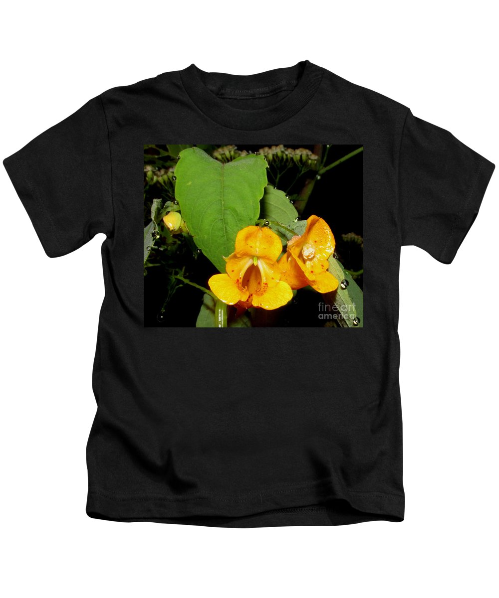 Jewel Weed Wildflowers Of Appalachia North American Wildflowers Wild Flora Forest Flowers Forest Flora Wild Orchids Orange Orchids North American Orchids Night Flowers Orange Wildflowers Orange Blooms Orange Flowers Kids T-Shirt featuring the photograph Jewel Weed by Joshua Bales
