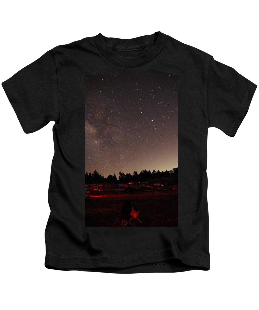 Stargazers Festival 2013 Kids T-Shirt featuring the photograph Julian Night Sky Milky Way by Phyllis Spoor