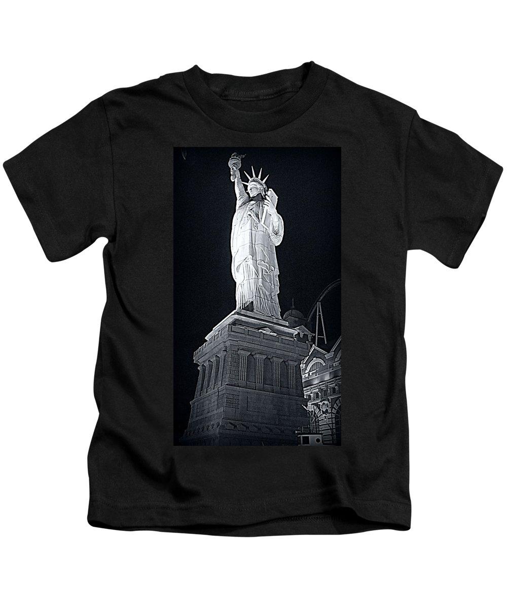 Lady Liberty Kids T-Shirt featuring the photograph Lady Liberty by Kay Novy