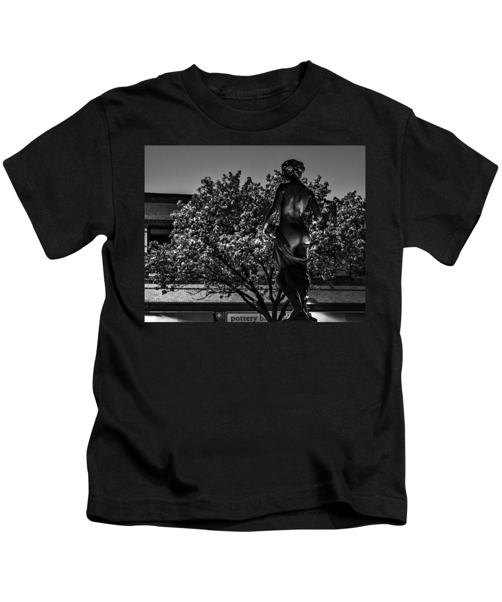 Slow Speed Kids T-Shirt featuring the photograph Lady Of The Night by Sennie Pierson
