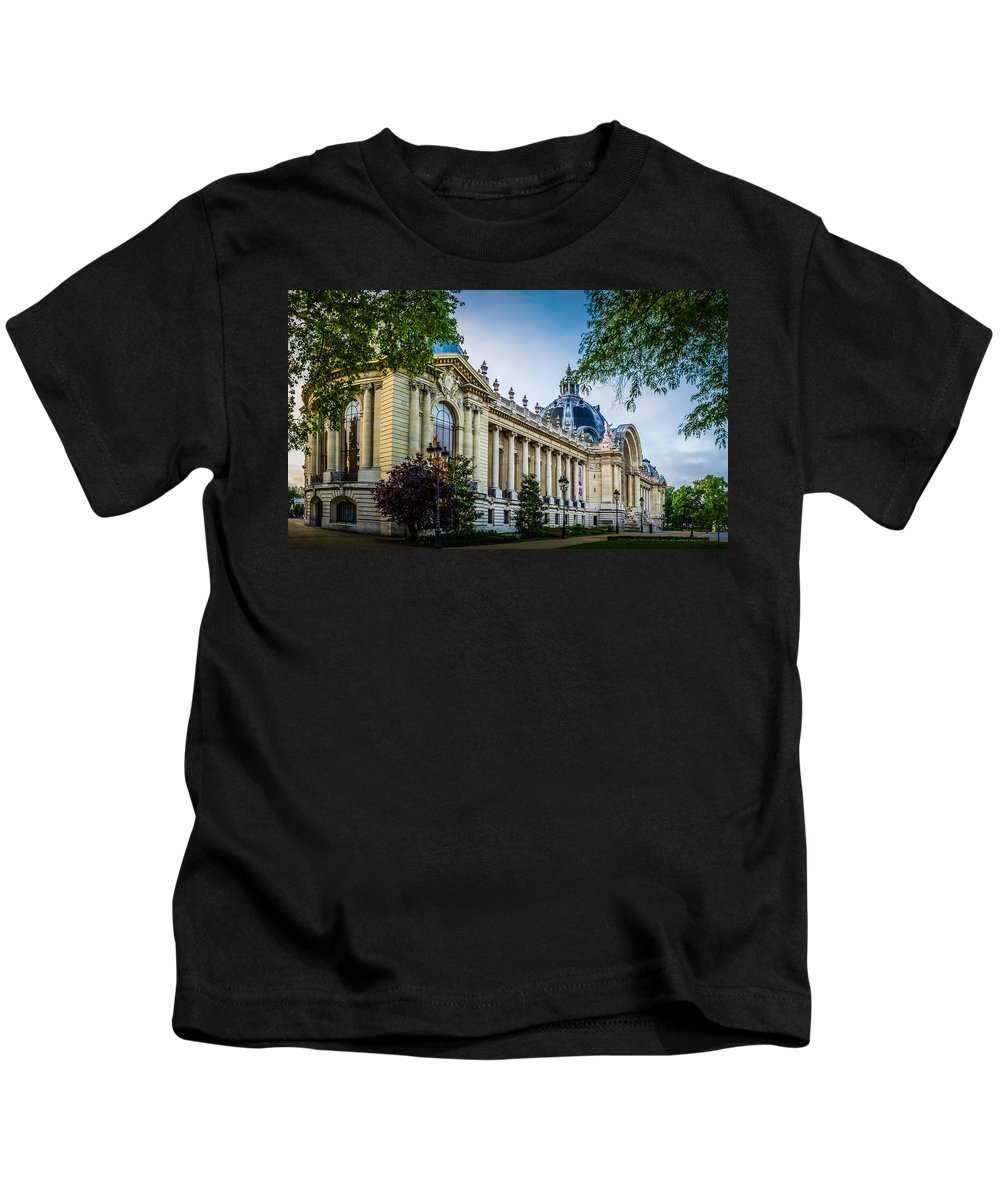 France Kids T-Shirt featuring the photograph Le Petit Palais by Mark Llewellyn