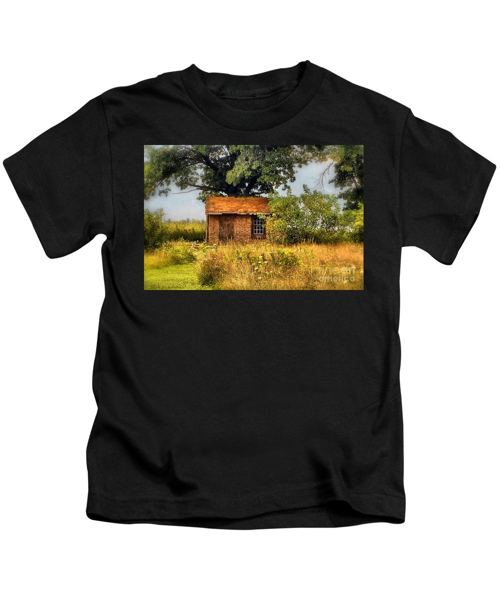 Landscape Photography Kids T-Shirt featuring the photograph Little House On The Prairie by Peggy Franz