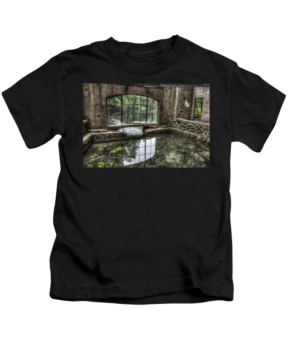 Kettle Moraine Kids T-Shirt featuring the photograph Looking Out 2 - Paradise Springs Spring House Interior by Jennifer Rondinelli Reilly - Fine Art Photography