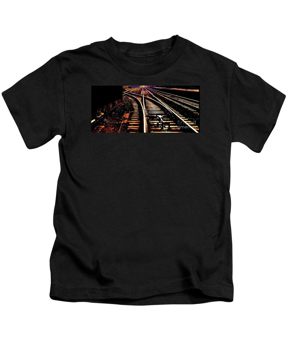 Railroad Photography Track Photography Surreal Photography Stock Shot Photography Infinity Photography Metal Frame Strongly Suggested England Photography Den Photography Bon Voyage Card Phone Case Art Metal Frame Suggested T Shirt Art Tote Bag Art Kids T-Shirt featuring the photograph Making Tracks by Marcus Dagan