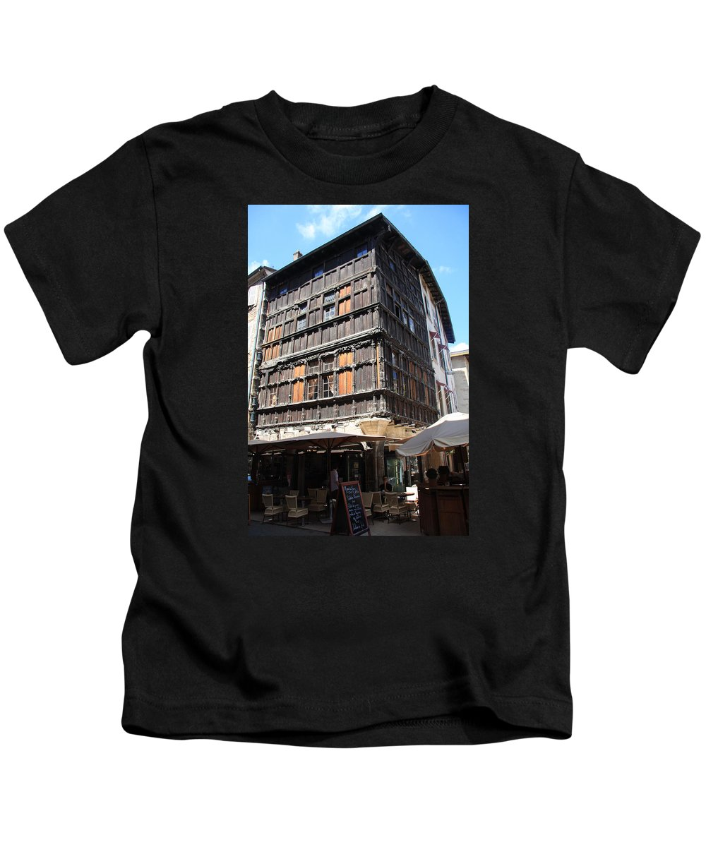 House Kids T-Shirt featuring the photograph Mason Du Bois Macon by Christiane Schulze Art And Photography