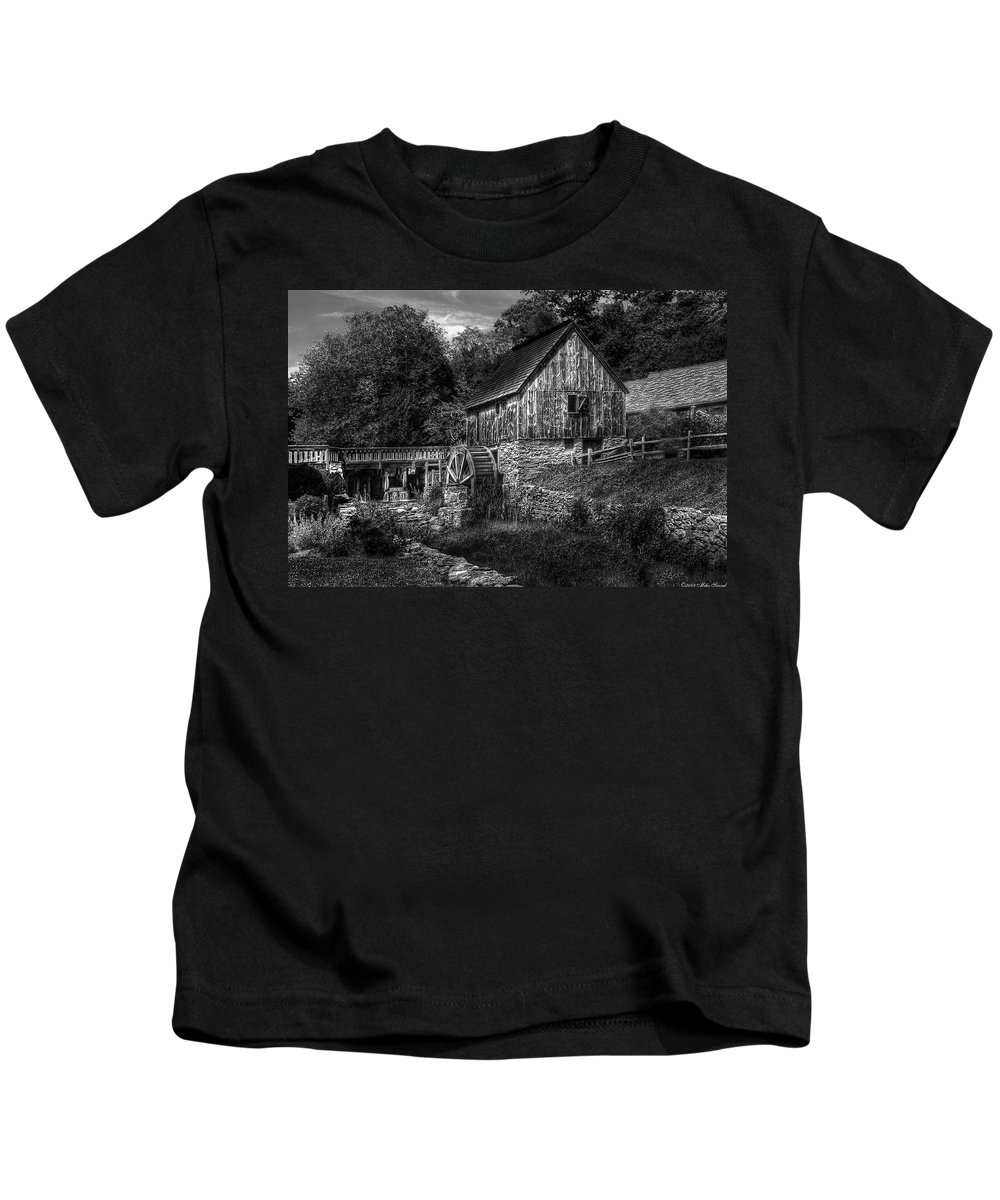 Savad Kids T-Shirt featuring the photograph Mill - The Mill by Mike Savad