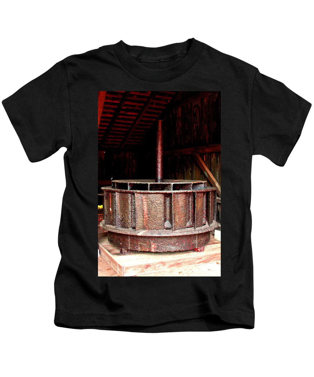 Mill Wheel Kids T-Shirt featuring the photograph Mill Wheel by Pablo Rosales