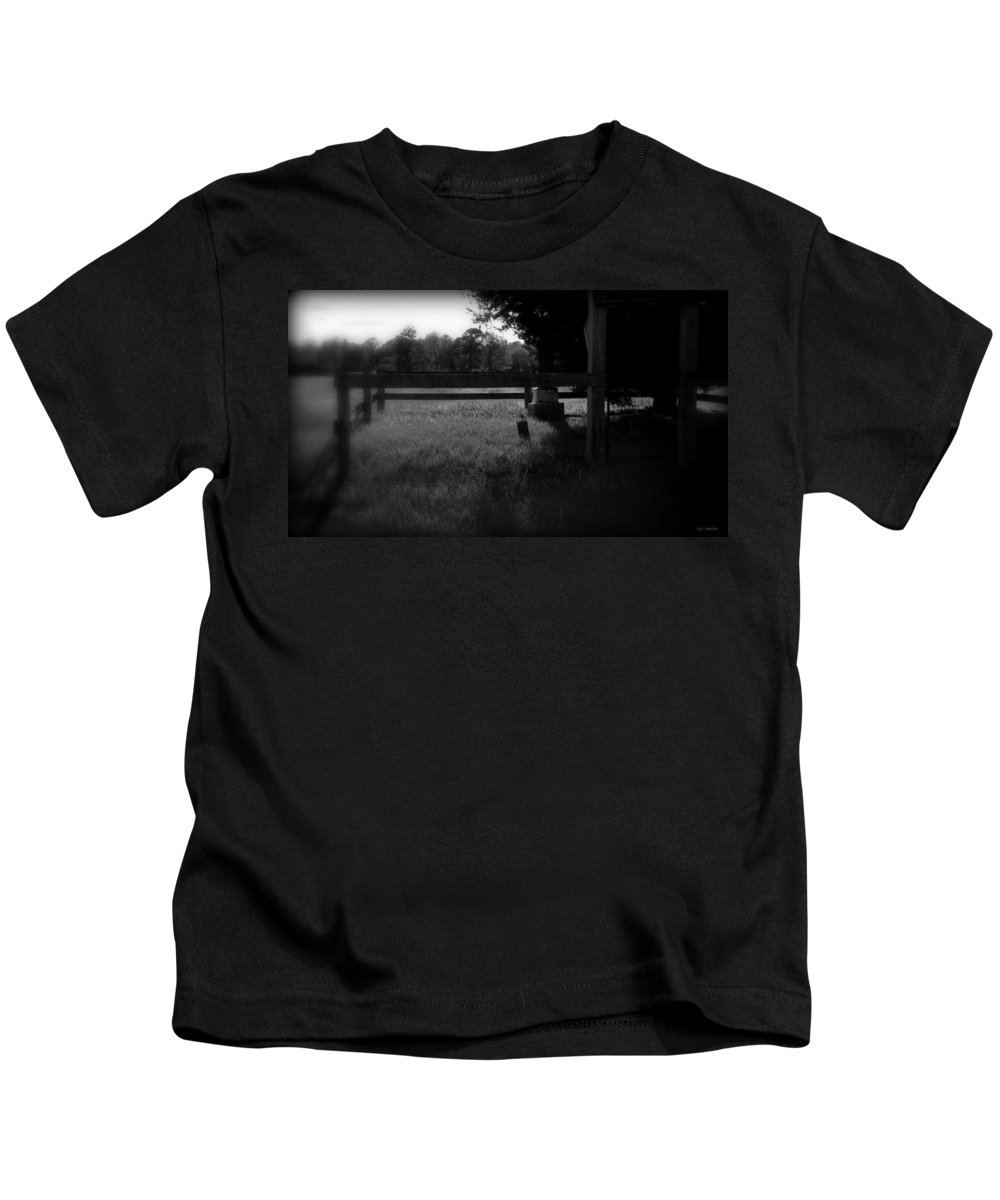 Missing Rail Kids T-Shirt featuring the photograph Missing Rail by Ed Smith