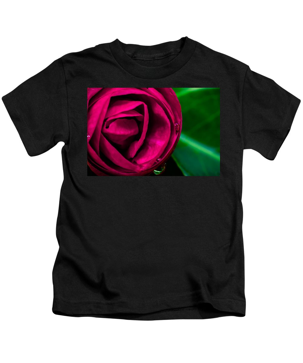 Flower Kids T-Shirt featuring the photograph Moment by Edgar Laureano