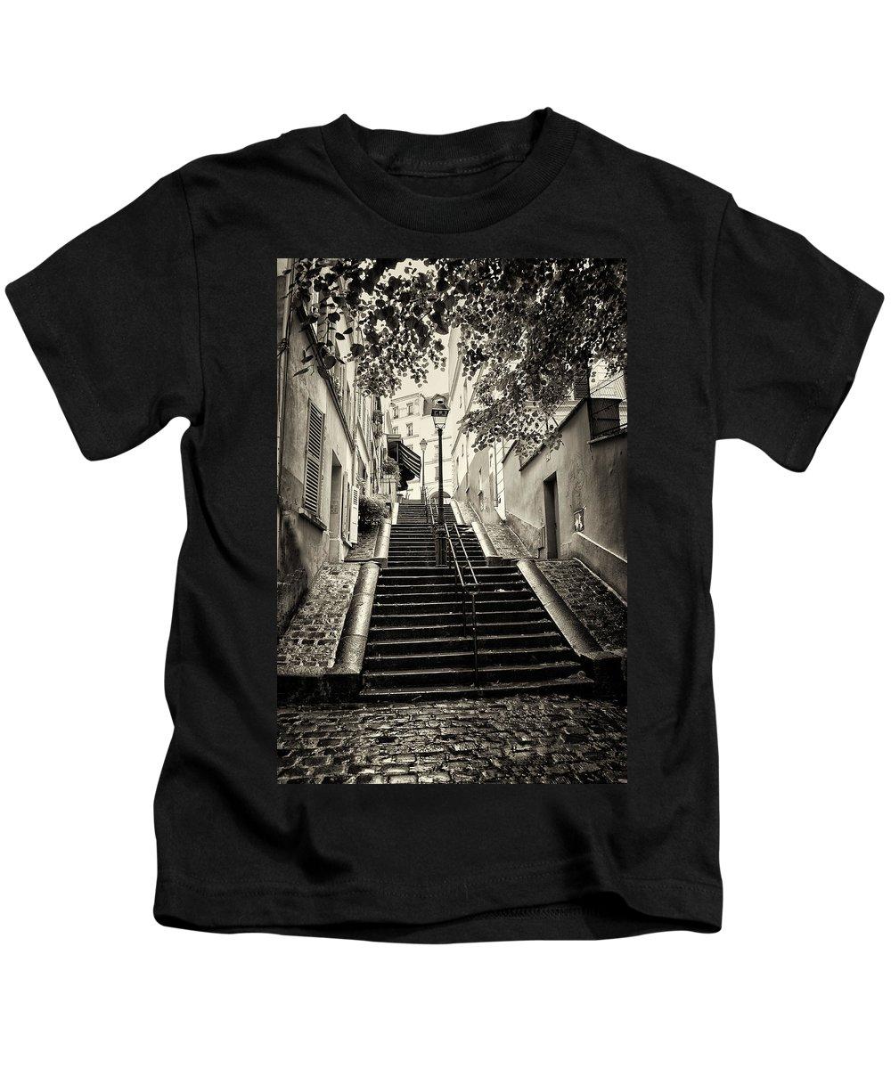 Paris Kids T-Shirt featuring the photograph Montmartre Mono 01 by Russ Dixon