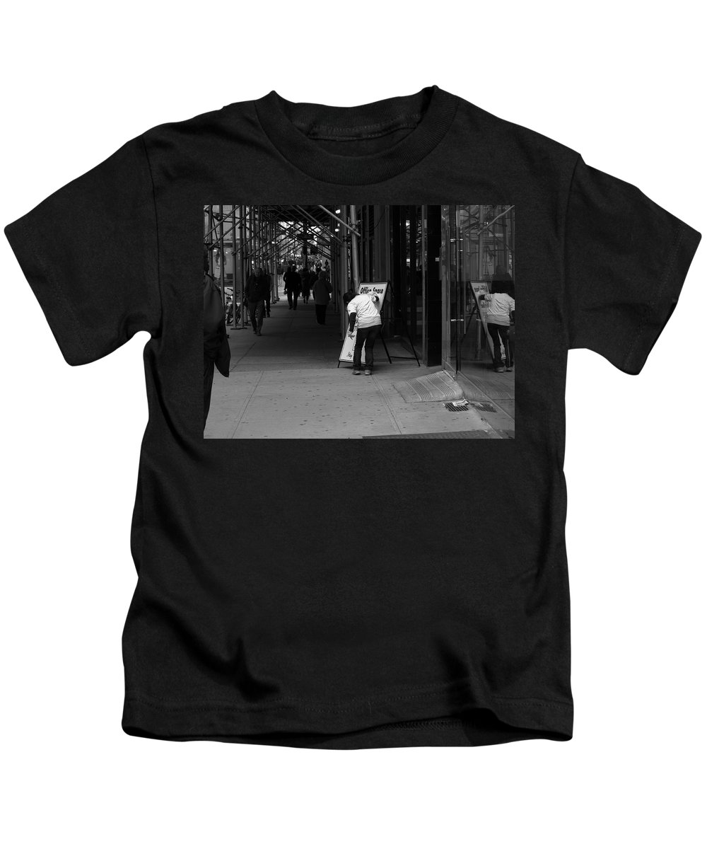 Architecture Kids T-Shirt featuring the photograph New York Street Photography 26 by Frank Romeo