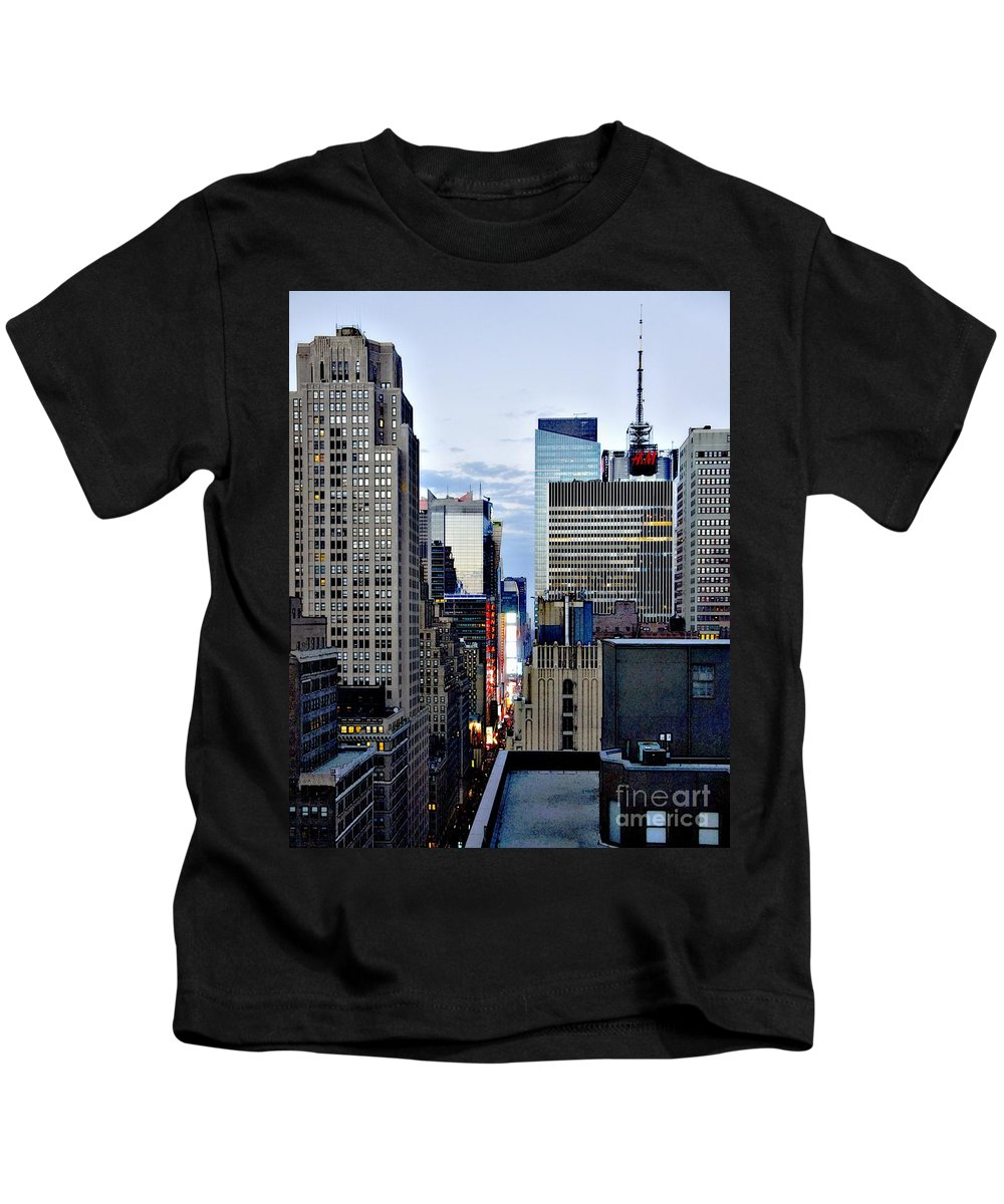 H&m Kids T-Shirt featuring the photograph North Up Seventh Avenue by Lilliana Mendez