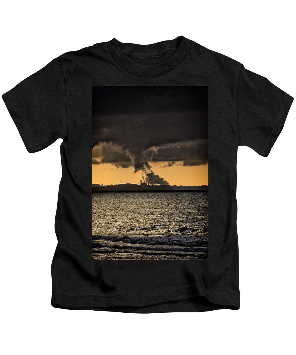 Wall Art Kids T-Shirt featuring the photograph Ocean At Sunset by Russ Dixon