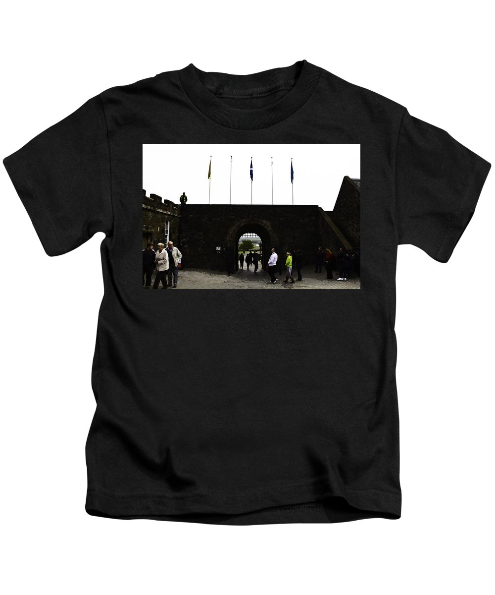 Action Kids T-Shirt featuring the digital art Oil Painting - Tourists Inside The Stirling Castle In Scotland Near The Entrance by Ashish Agarwal