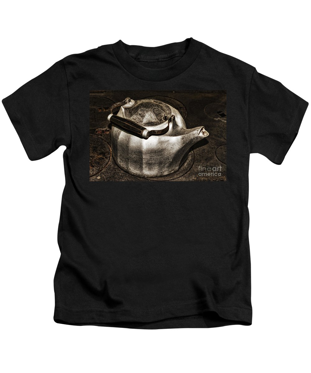 Old.old-fashioned Kids T-Shirt featuring the photograph Old Kettle by Les Palenik