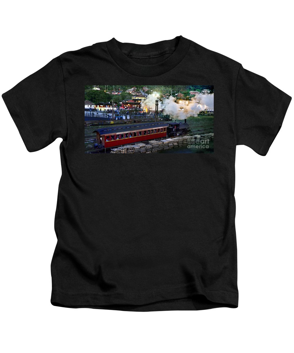 Vag�o Kids T-Shirt featuring the photograph Old Train In The Village - Paranapiacaba by Carlos Alkmin