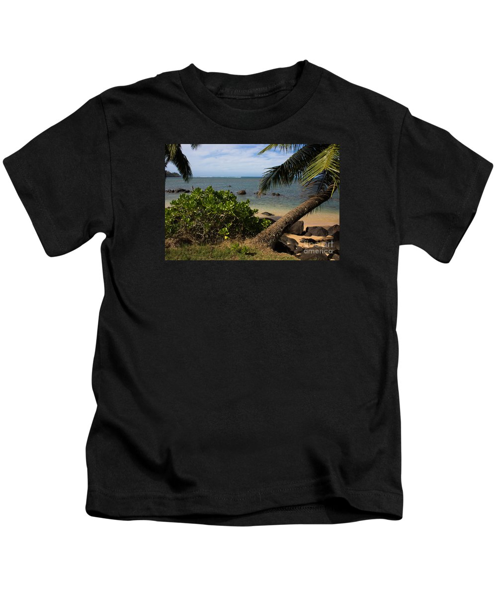 Kauai Kids T-Shirt featuring the photograph Paradise Awaits by Suzanne Luft