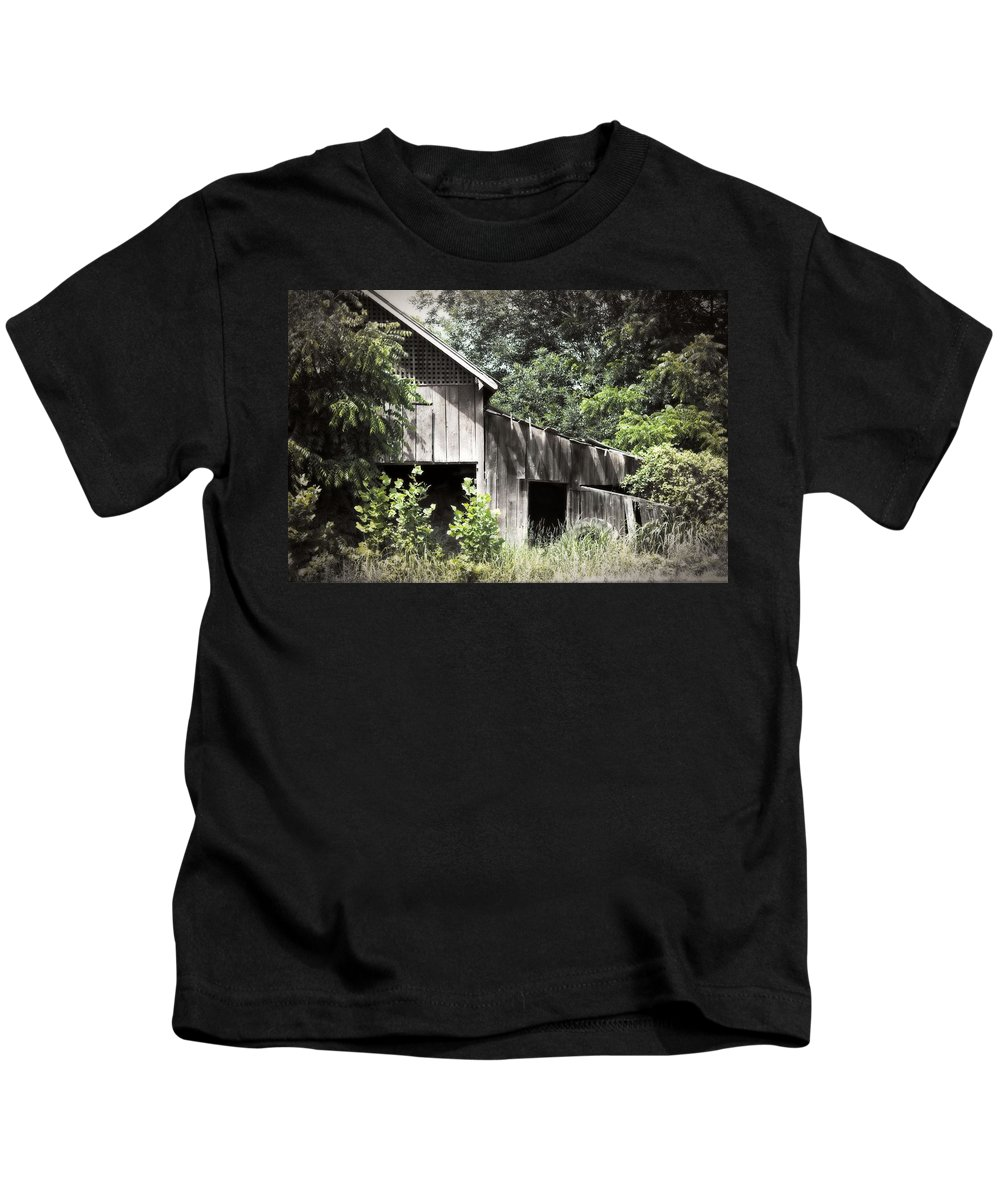 Building Kids T-Shirt featuring the photograph Passing Of Time by Tom Gari Gallery-Three-Photography