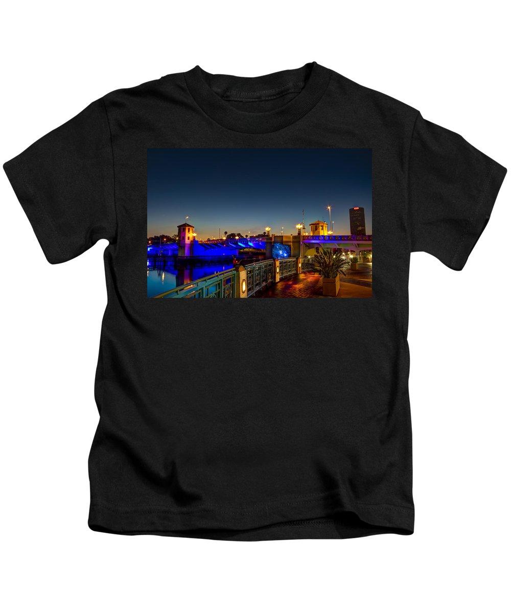 Platt Street Bridge Kids T-Shirt featuring the photograph Platt Street Bridge by Marvin Spates