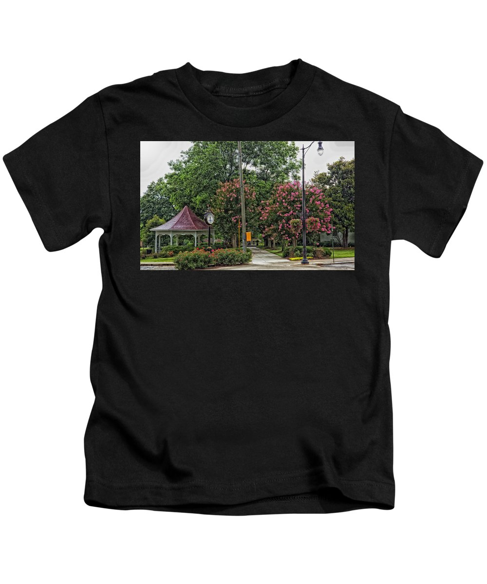 Demopolis Kids T-Shirt featuring the photograph Quaint Park In Demopolis Alabama by Mountain Dreams