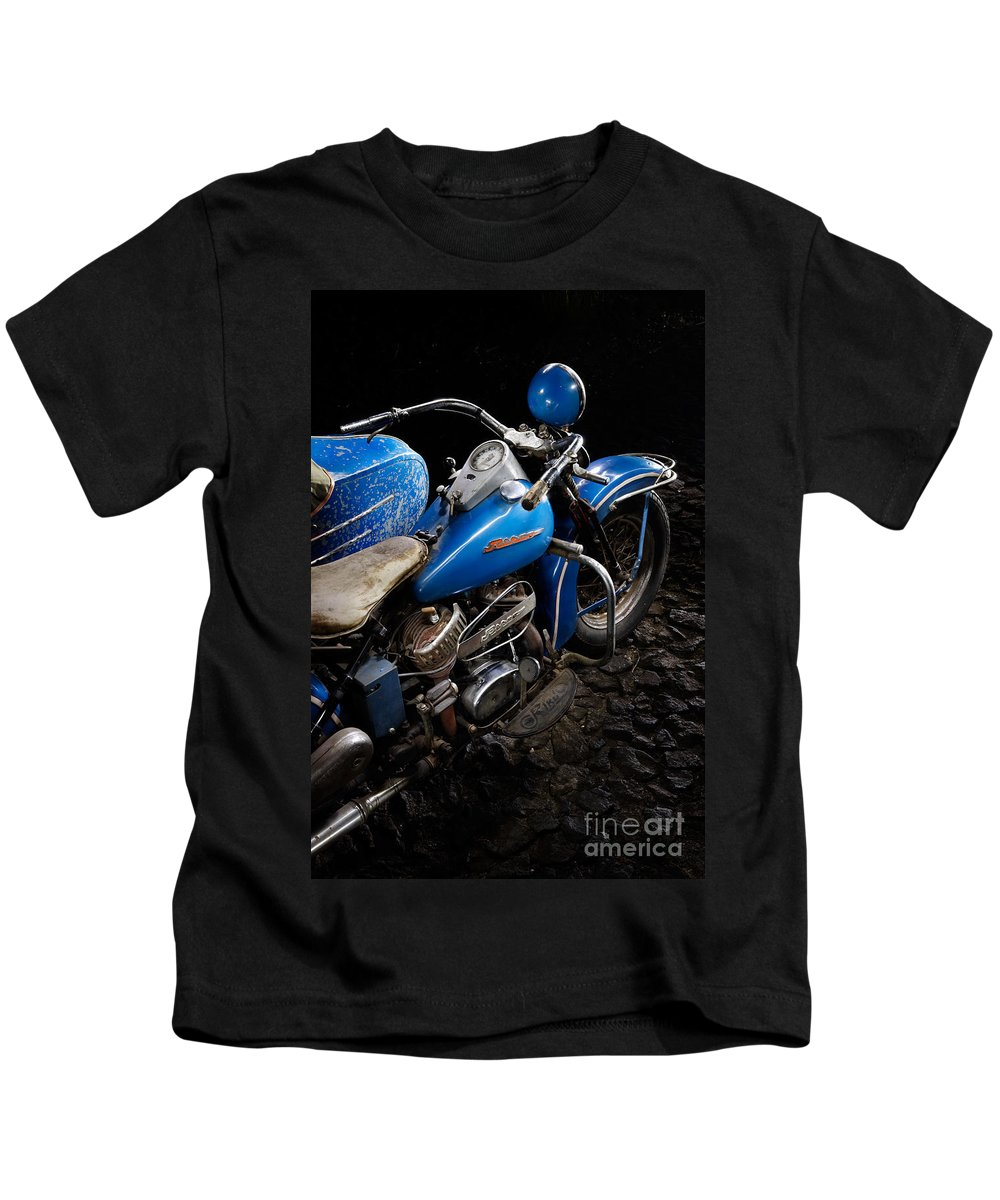 Motorcycle Kids T-Shirt featuring the photograph Rikuo by Frank Kletschkus
