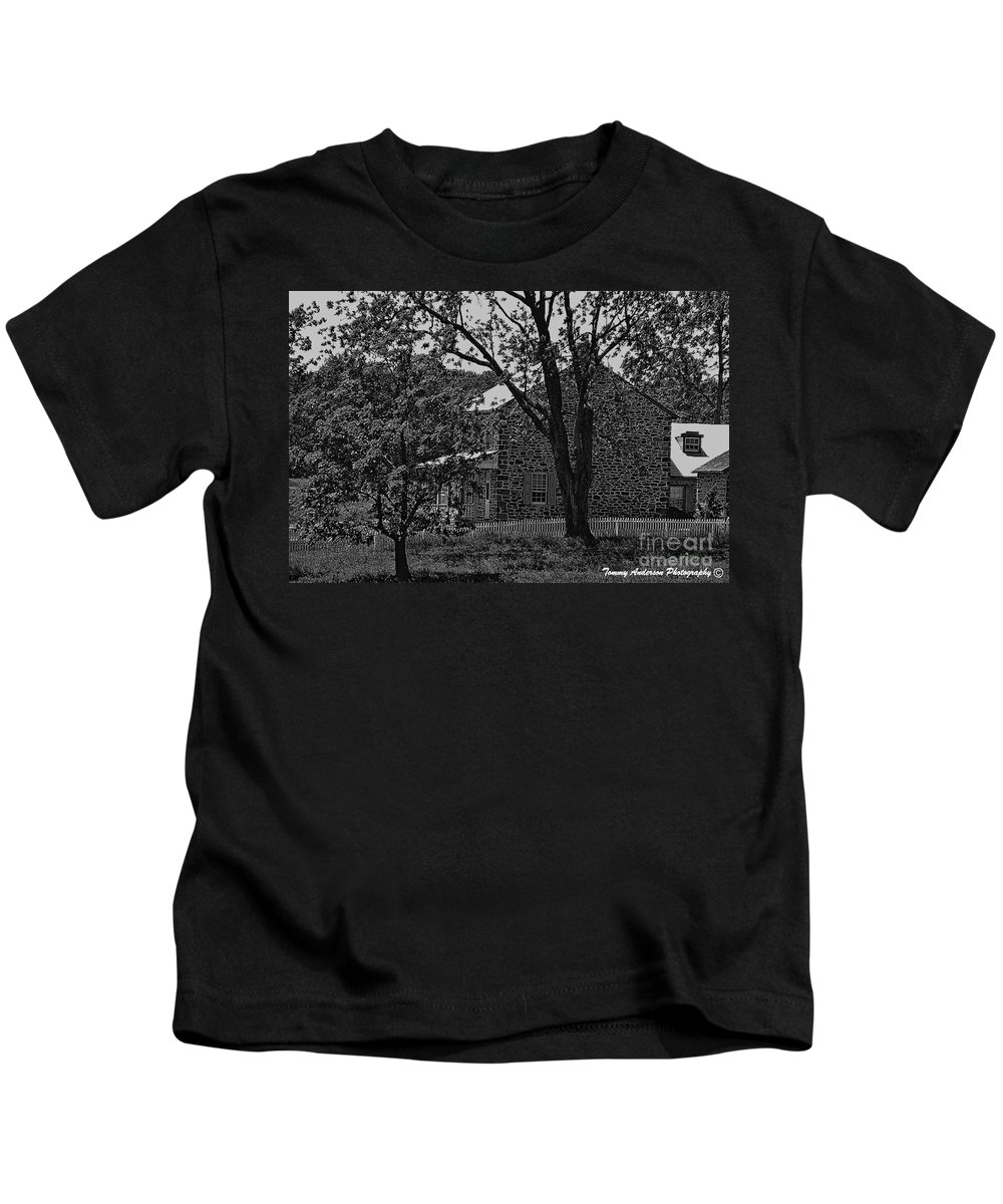 Gettysburg Kids T-Shirt featuring the photograph Rose Farm House-gettysburg by Tommy Anderson