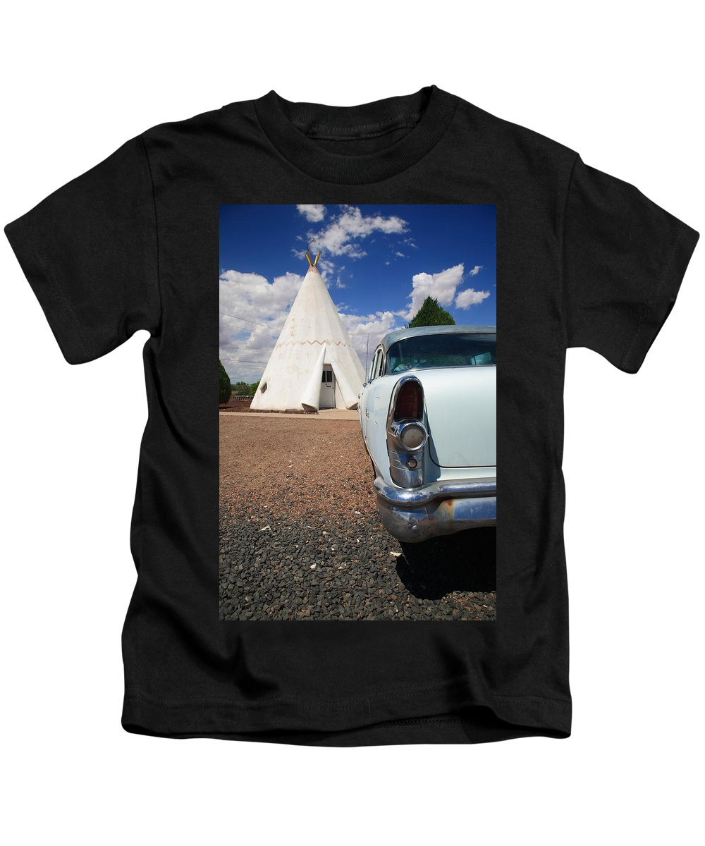66 Kids T-Shirt featuring the photograph Route 66 Wigwam Motel by Frank Romeo