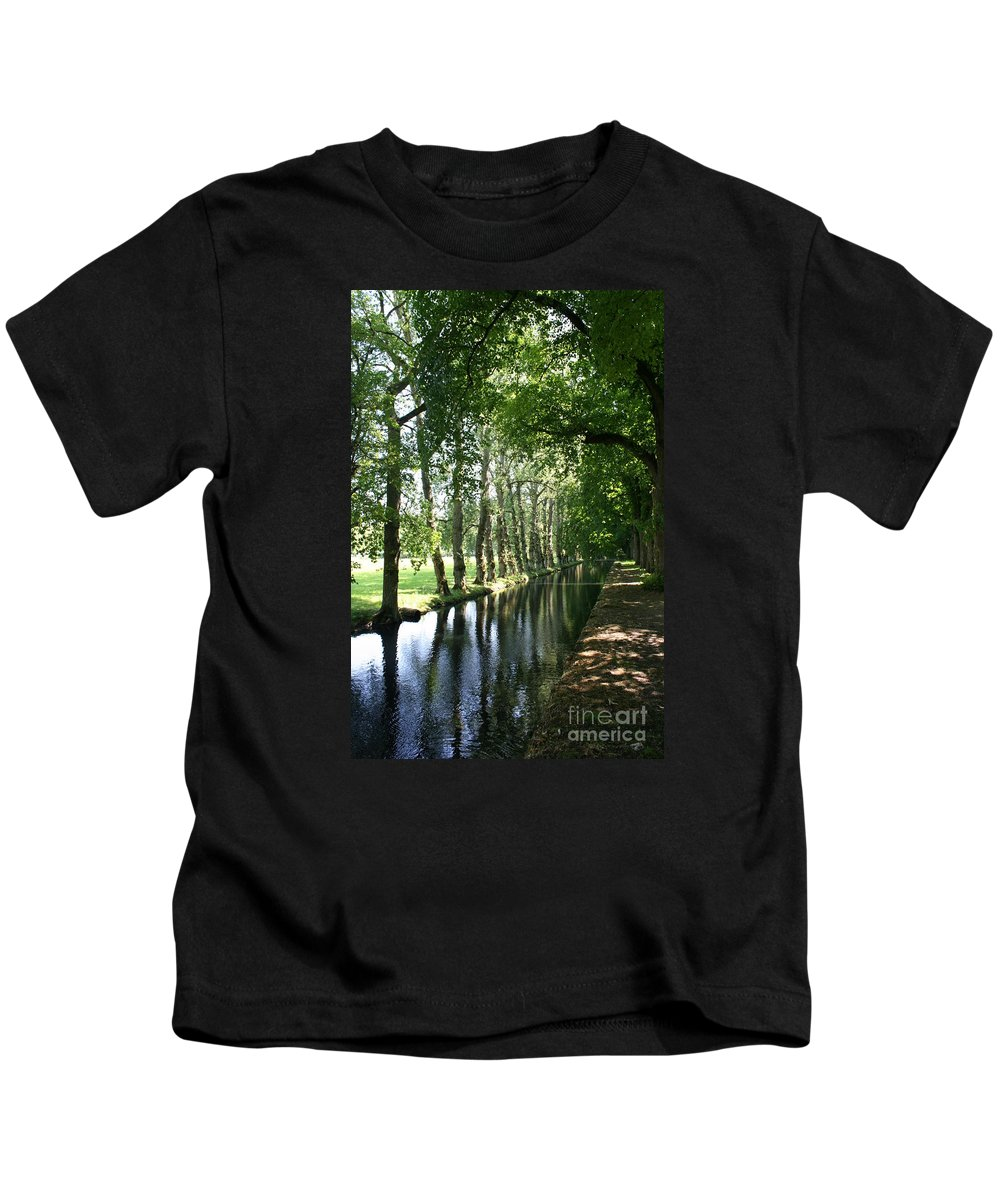 Parkway Kids T-Shirt featuring the photograph Shady Creek by Christiane Schulze Art And Photography