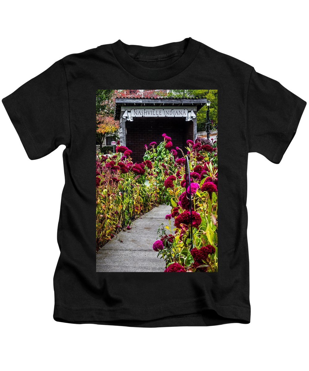 Indiana Kids T-Shirt featuring the photograph Sidewalk To Nashville Indiana by Ron Pate