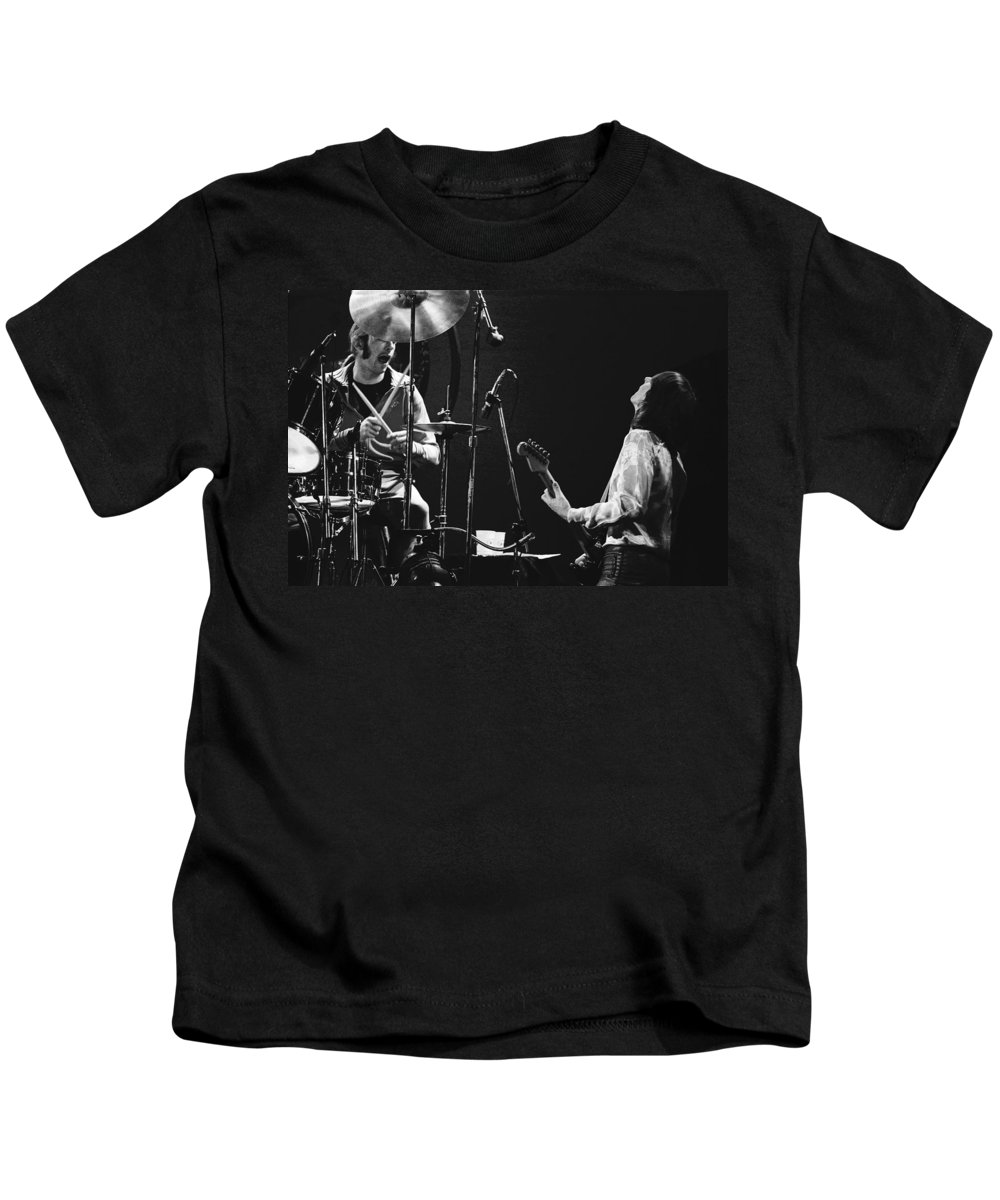 Simon Kirke Kids T-Shirt featuring the photograph Simon And Mick Of Bad Company In 1977 by Ben Upham