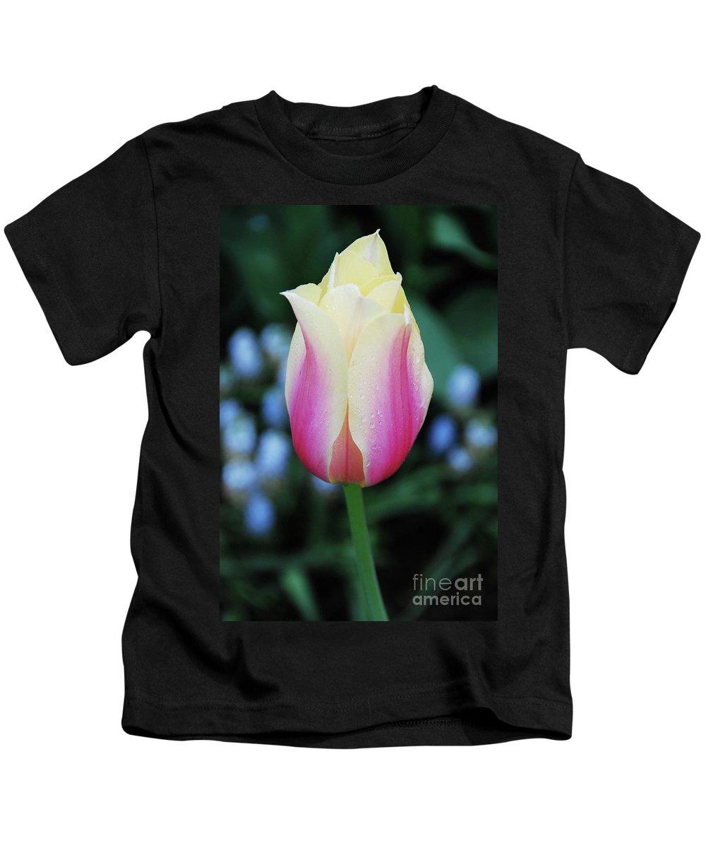 Splendid Kids T-Shirt featuring the photograph Splendid by Allen Beatty
