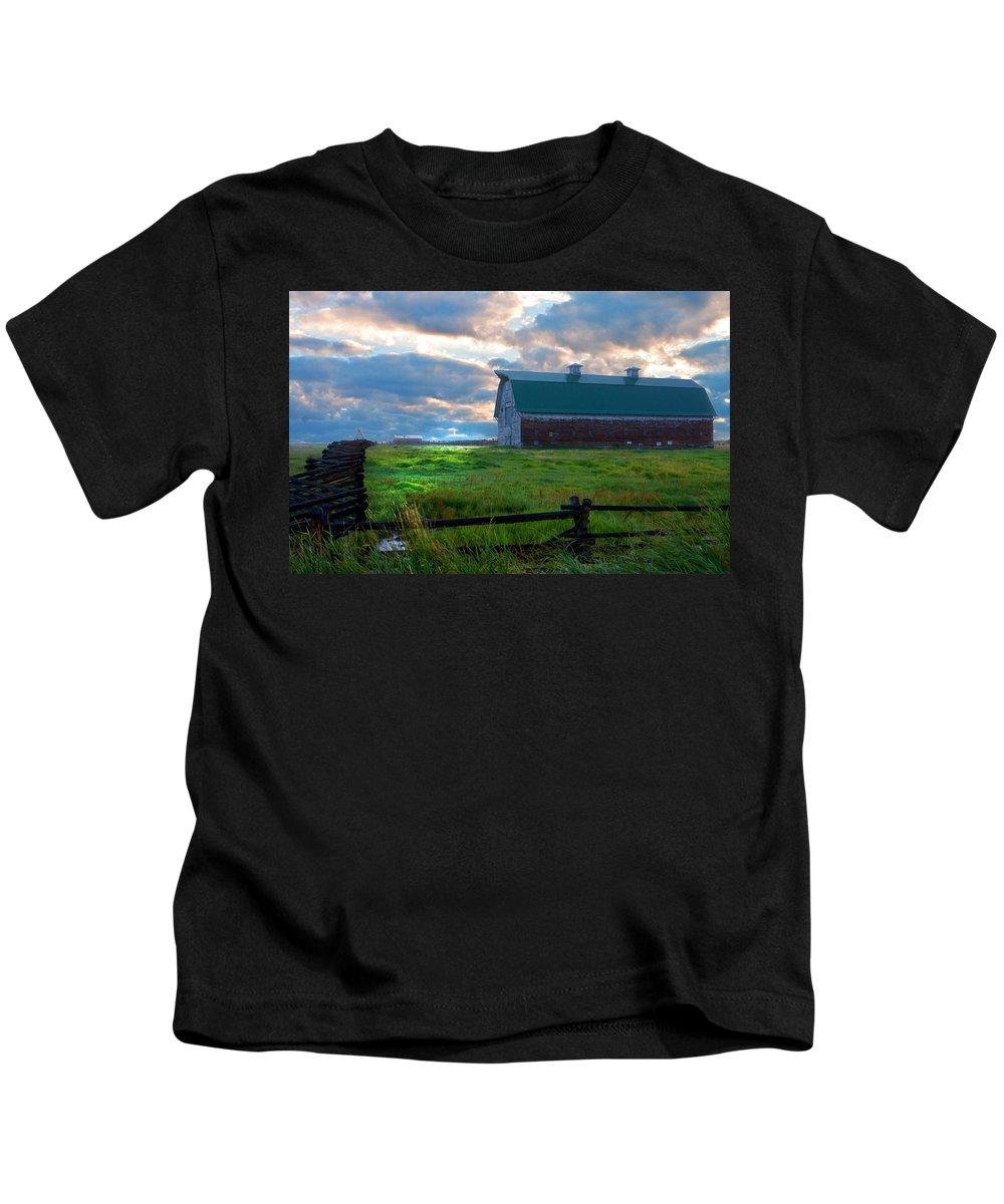 Big Red Barn Kids T-Shirt featuring the photograph Split Rail Fence Barn by Randall Branham