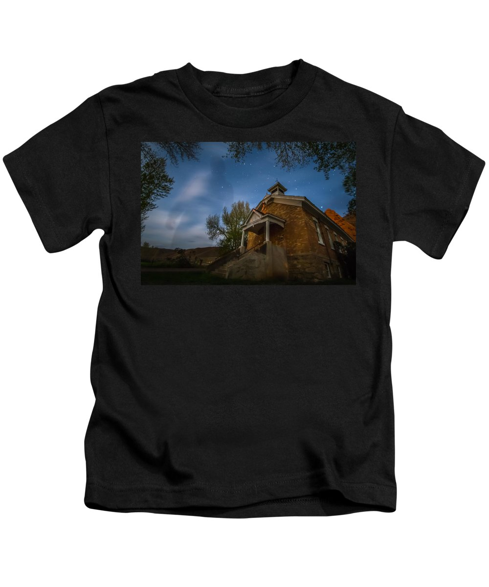 Gigimarie Kids T-Shirt featuring the photograph Spooky by Gina Herbert
