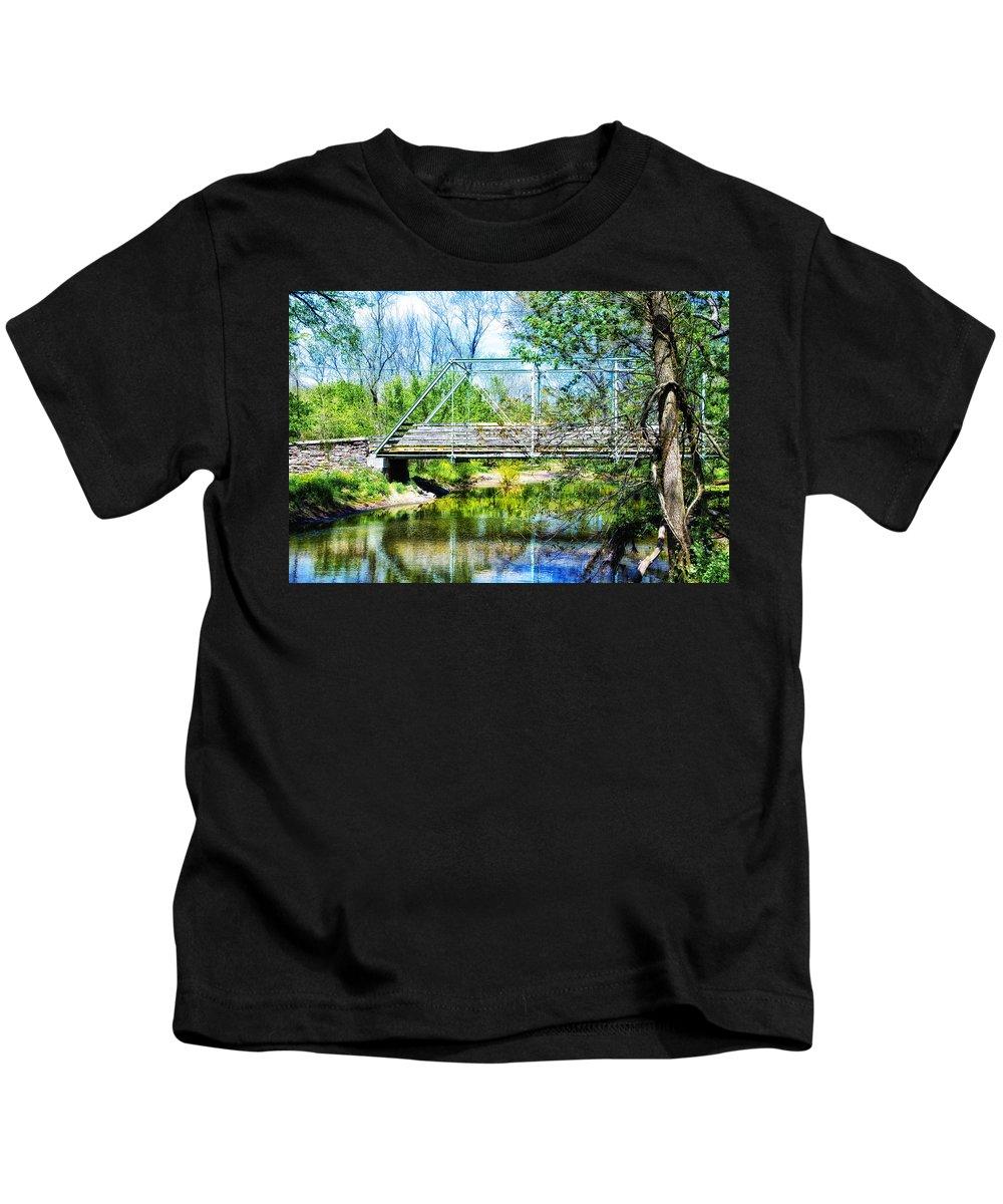 Steel Kids T-Shirt featuring the photograph Steel Span Bridge Gettysburg by Bill Cannon