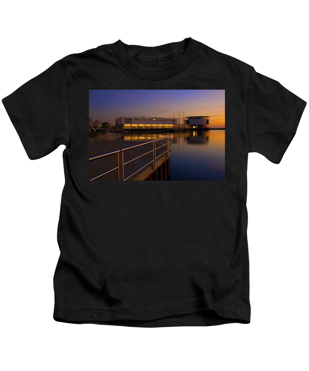 Discovery World Museum Milwaukee Kids T-Shirt featuring the photograph Sunrise At The Lakefront by Jonah Anderson