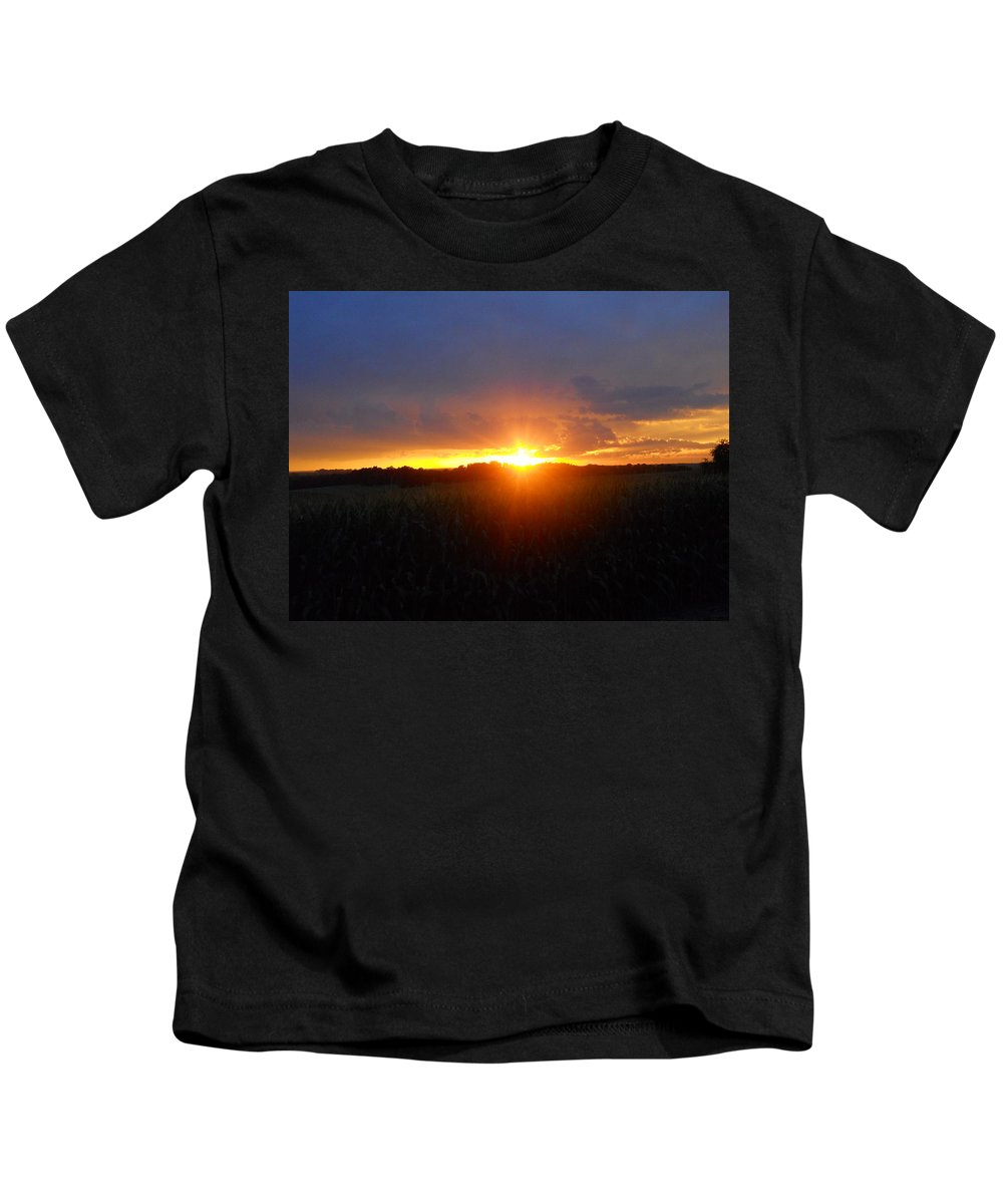 Sunset Kids T-Shirt featuring the photograph Sunset Eye by Coleen Harty