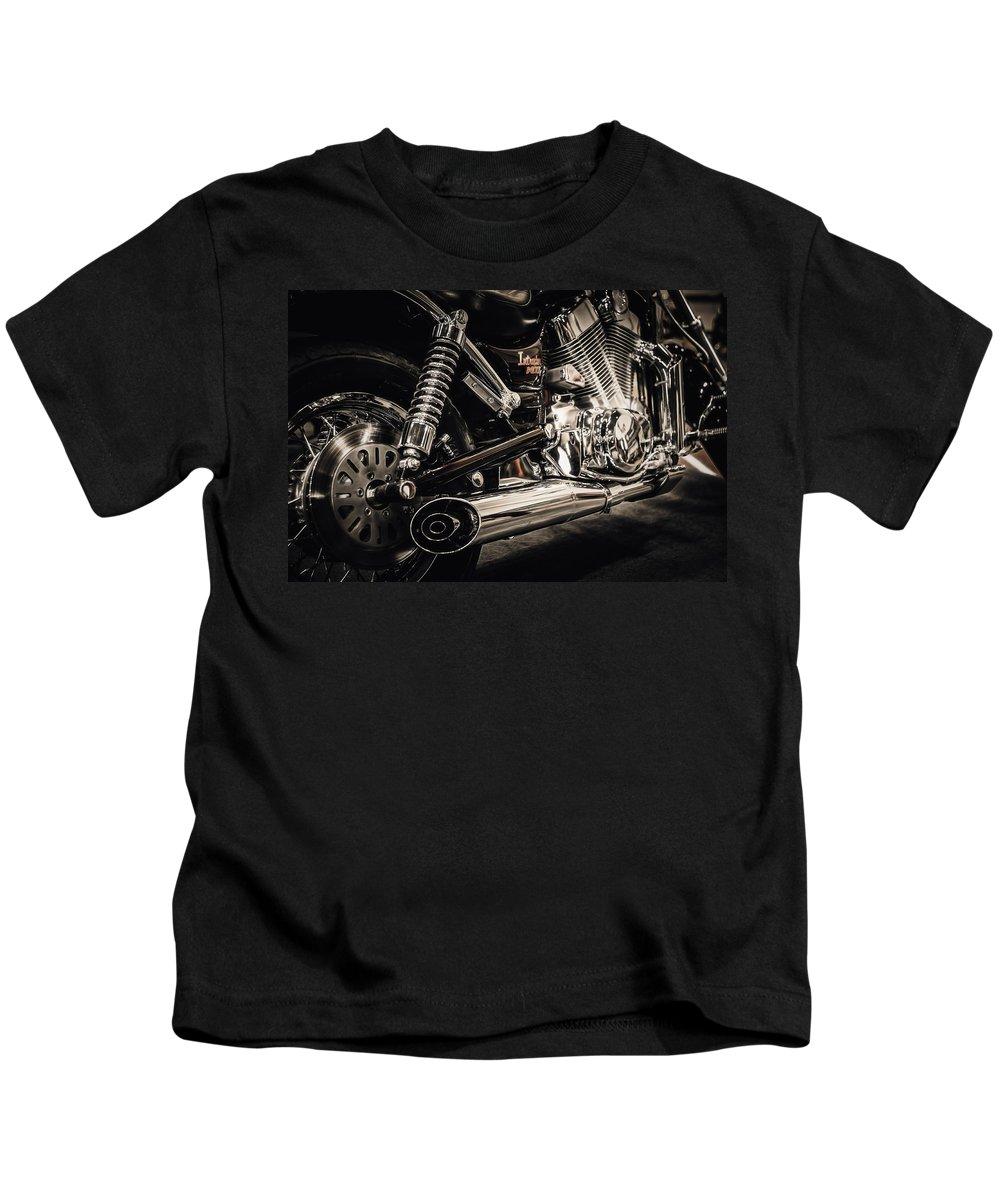 Suzuki Kids T-Shirt featuring the photograph Suzuki Intruder by Ari Salmela