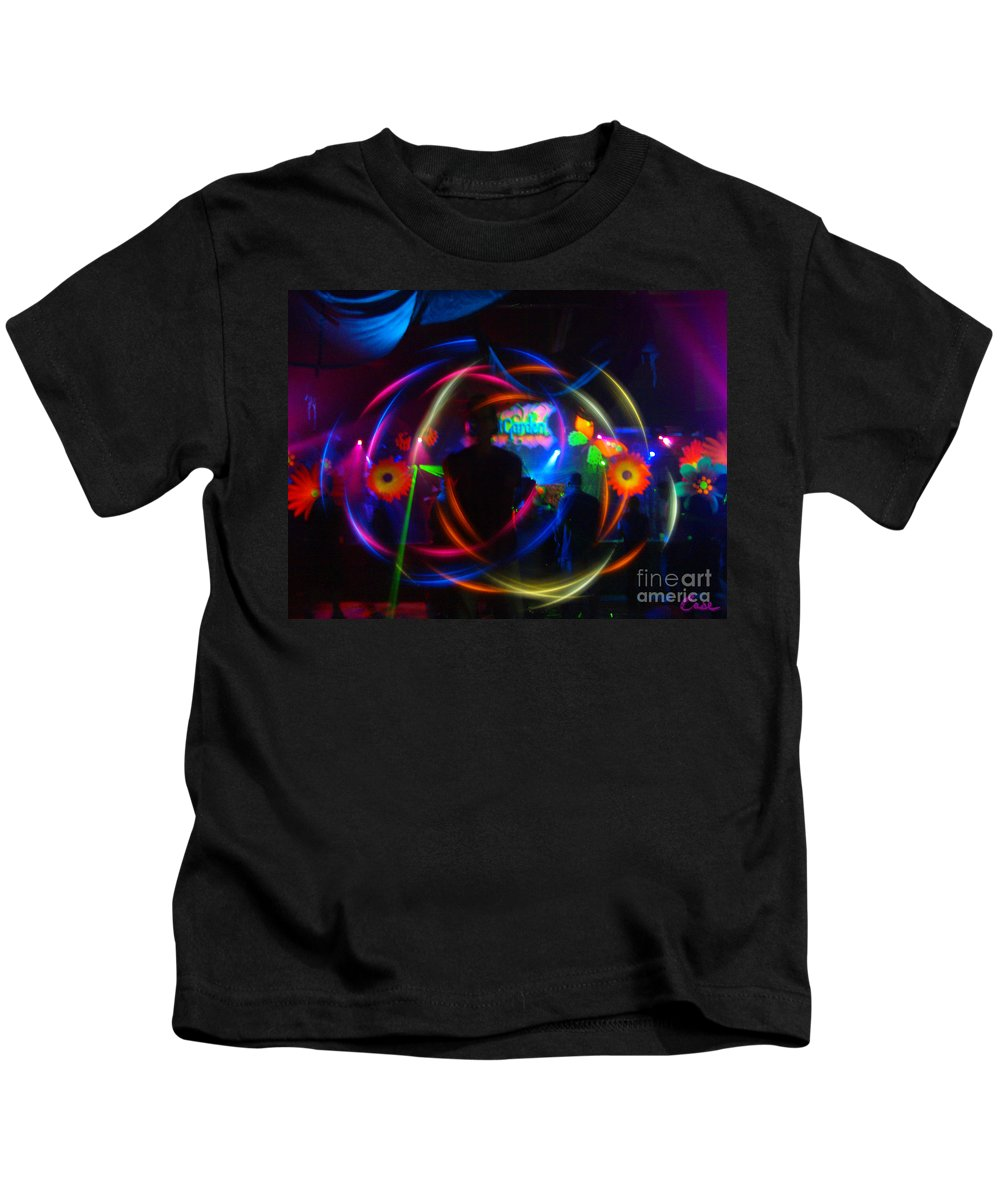 The Eye Of The Rave Kids T-Shirt featuring the photograph The Eye Of The Rave by Feile Case