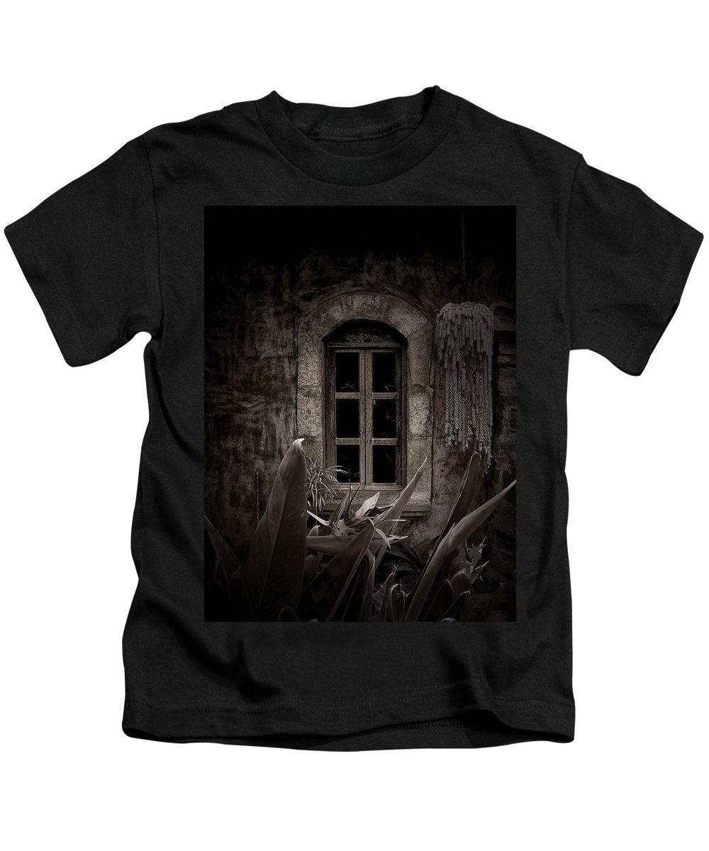 Window Kids T-Shirt featuring the photograph The Garden Window by Tom Bell