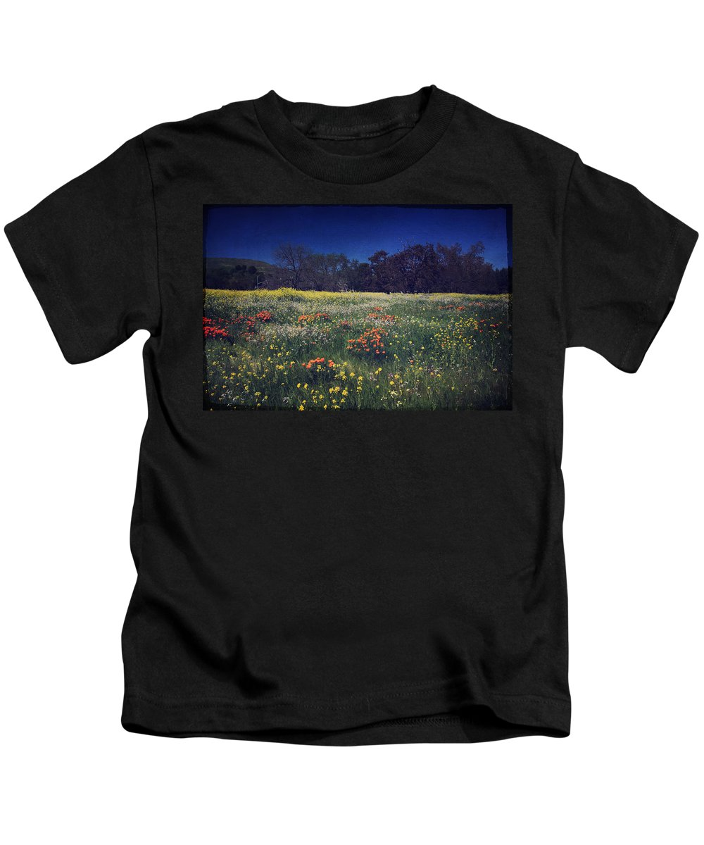 Pleasanton Kids T-Shirt featuring the photograph Through The Blooming Fields by Laurie Search
