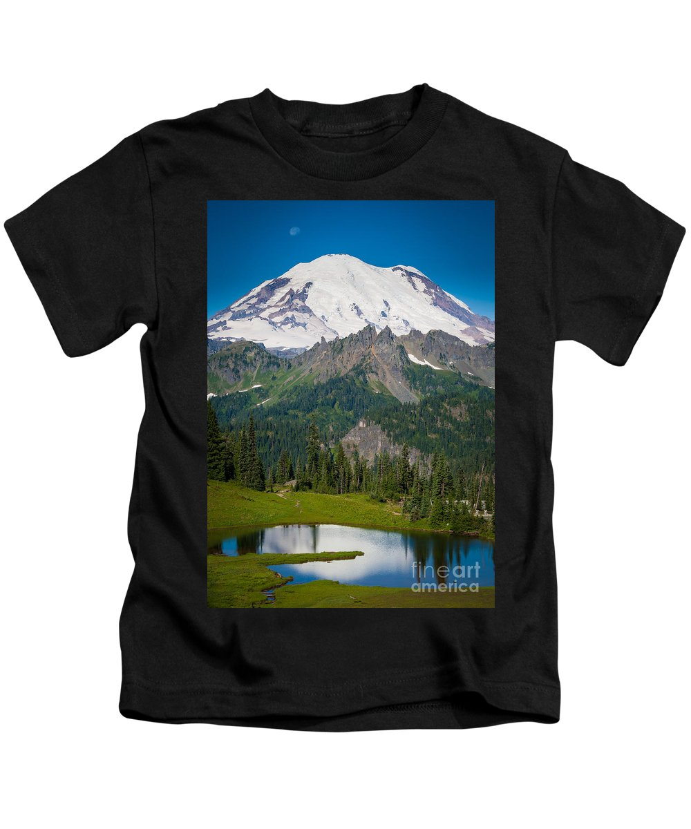 America Kids T-Shirt featuring the photograph Tipsoo Moonset by Inge Johnsson