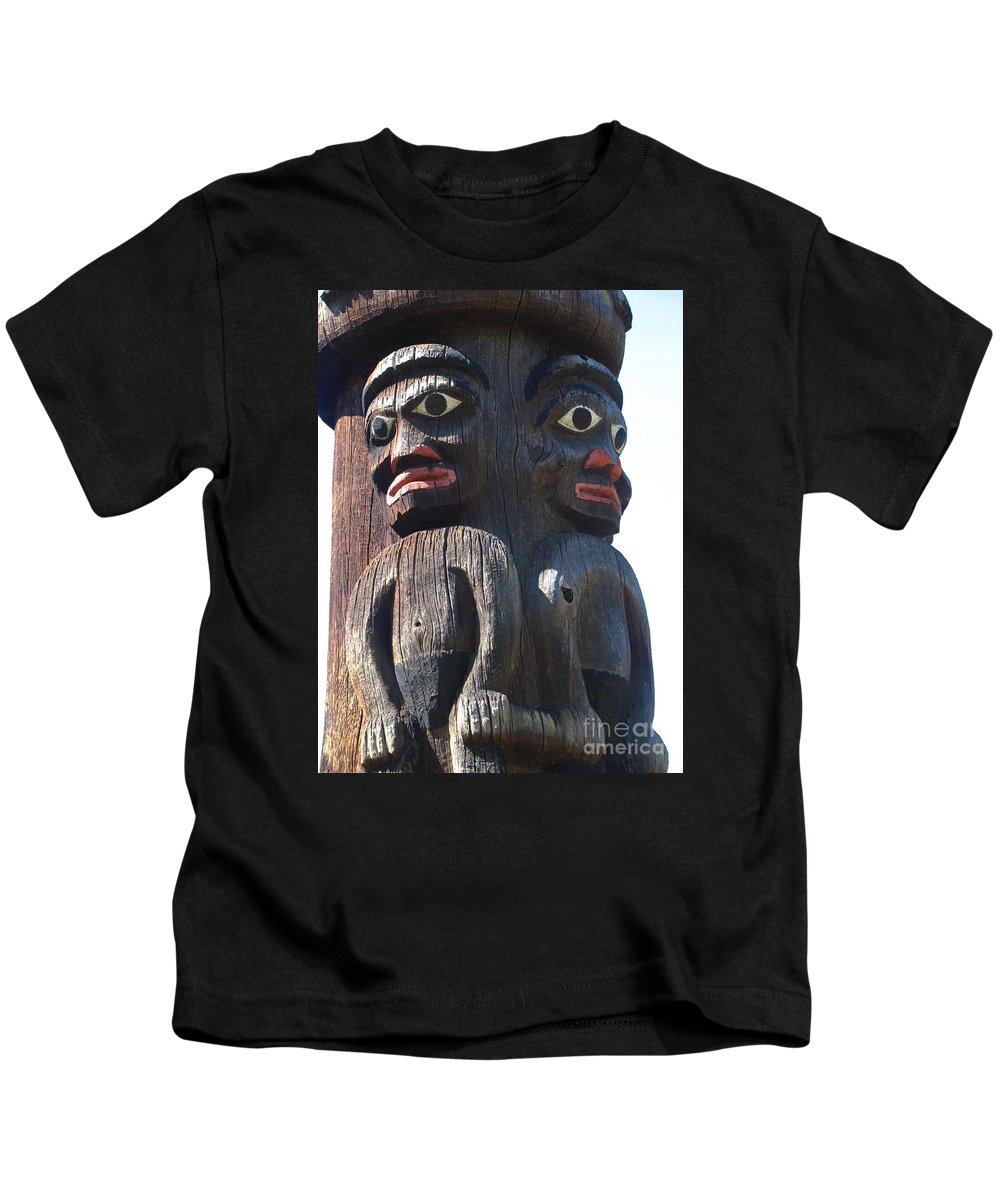 Totem Pole Kids T-Shirt featuring the photograph Totem Twins by Ann Horn