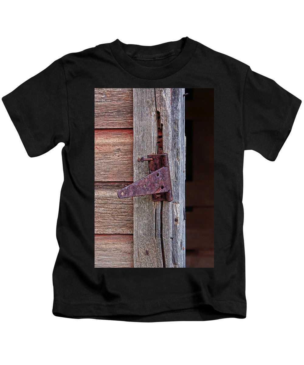 Hinges Kids T-Shirt featuring the photograph Unhinged by Nikolyn McDonald