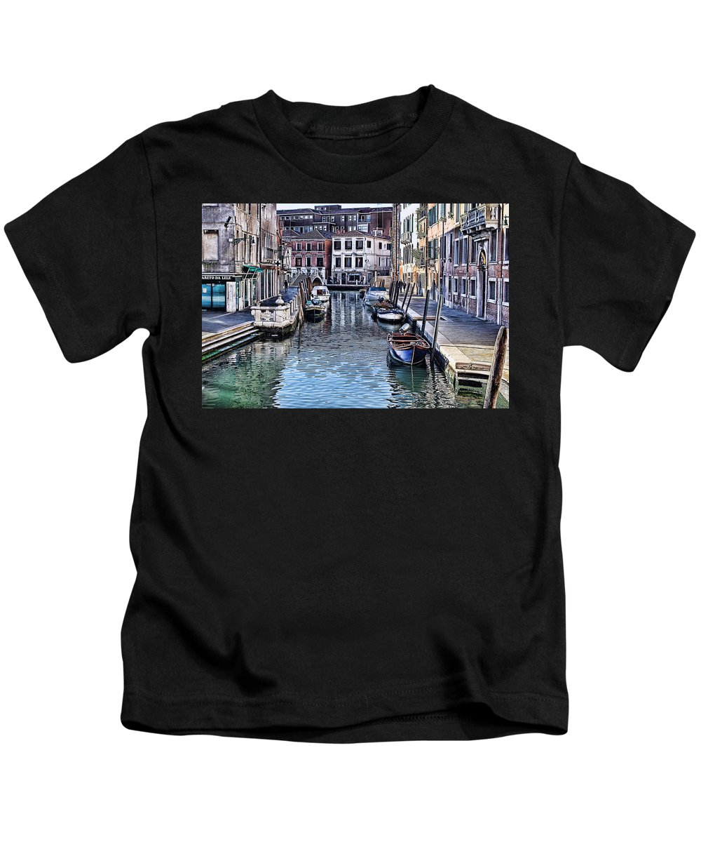 Tom Prendergast Kids T-Shirt featuring the photograph Venice Italy Iv by Tom Prendergast