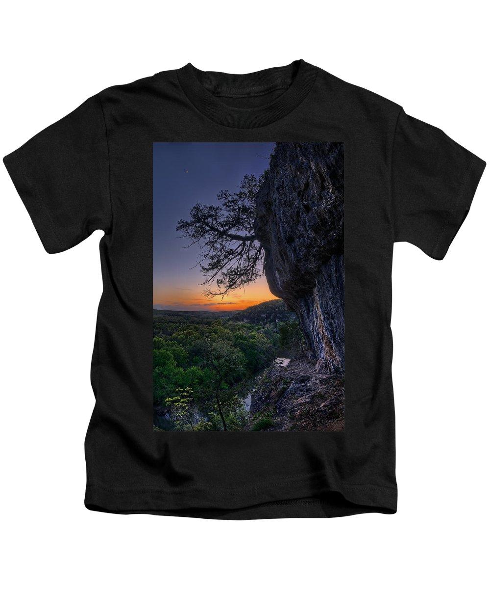 2014 Kids T-Shirt featuring the photograph Vilander Bluffs by Robert Charity