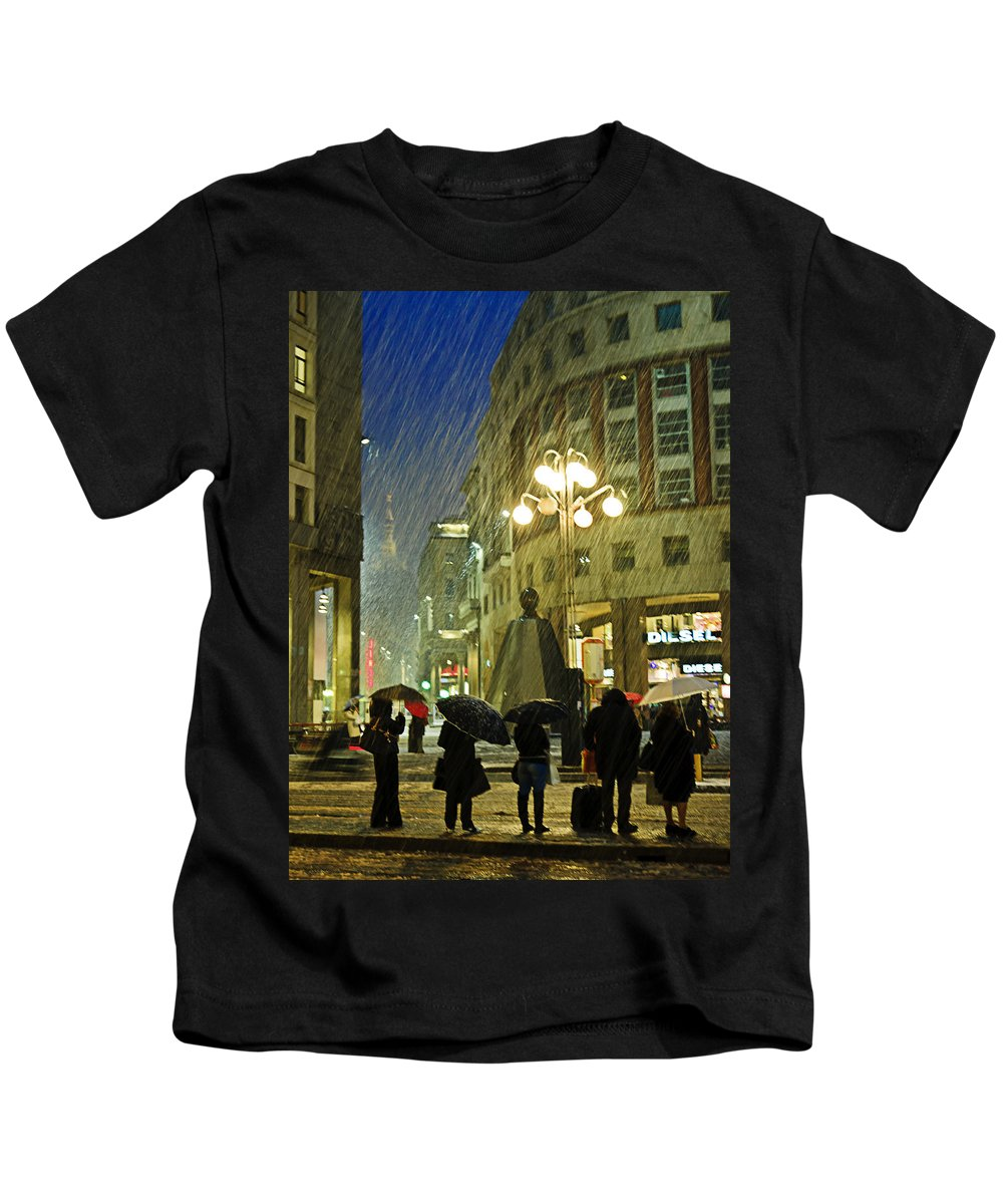 Snow Kids T-Shirt featuring the photograph Waiting The Next Bus by Alfio Finocchiaro